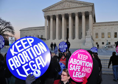 Judge extends hold on Wisconsin anti-choice law